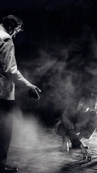 GEVECHT VAN NEGER EN HONDEN - Guido Wevers<br/>Fotografie: Carry Gisbertz